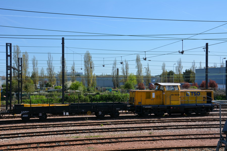 (1) 99 87 9 319 508-7 (2018-04-17 Trappes).jpg
