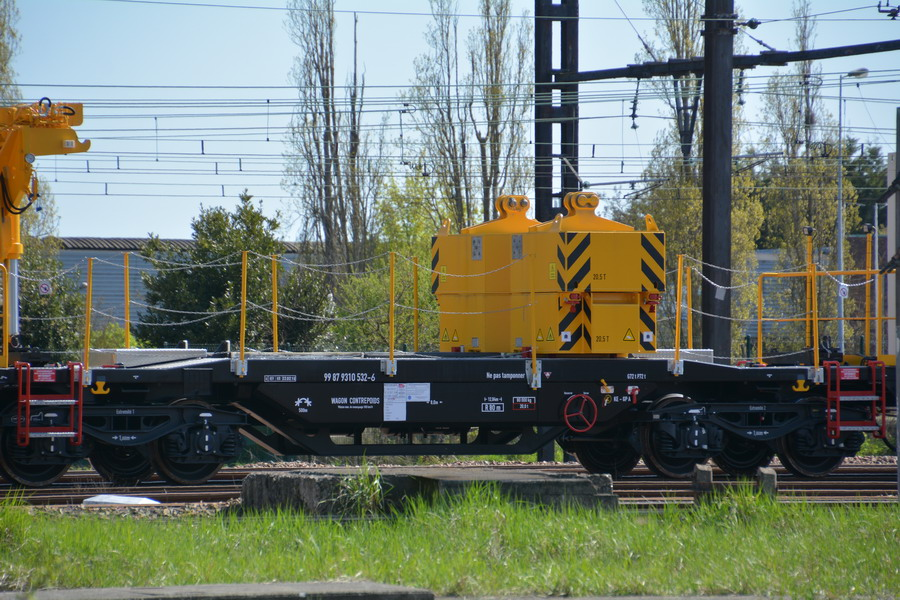 (4) 99 87 9 319 508-7 (2018-04-17 Trappes) (1).jpg